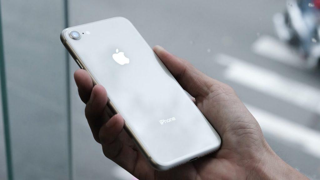 iPhone SE inversé Apple